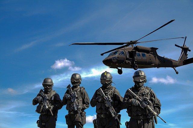 Militär- und Sicherheitsausrüstung für Outdoor-Fans